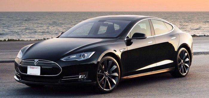 Тесла отзывает 90 тысяч своих автомобилей