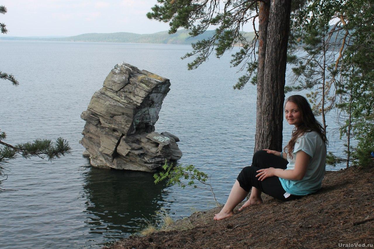 У Шайтан-камня на озере Иткуль