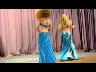 Восточный танец танцуют русские девушки. Групповой танец живота