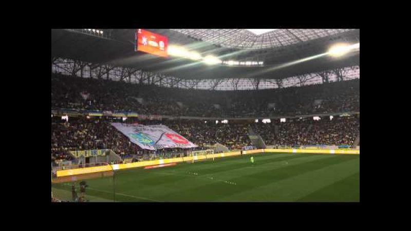 Украінцы на сваім сэктары вывесілі расьцяжку з Пагоняй матч Украіна Беларусь