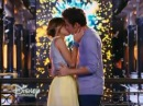 "Violetta 3 - Violetta y Leon cantan ""Descubrí"" y se besan (Show)"
