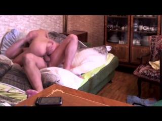 не знает что ее снимают на камеру русский секс