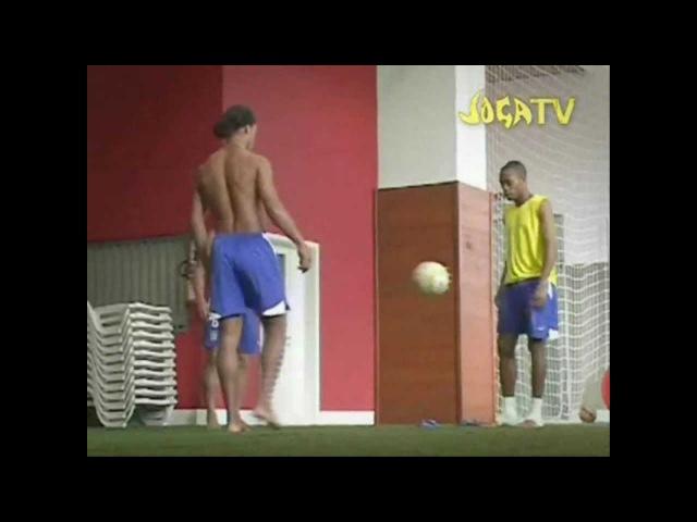 Joga Bonito - Ronaldinho, Cristiano Ronaldo, Messi - Mas Que Nada - Black Eyed Peas Sergio Mendez