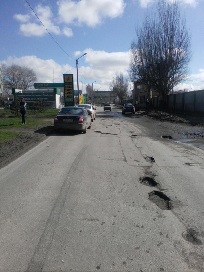 В Таганроге Lada Kalina столкнулась с Hyundai Elantra