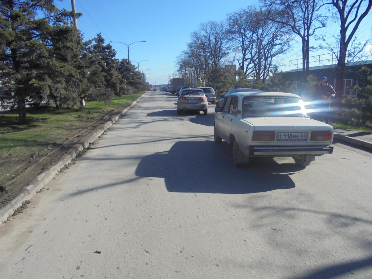 В Таганроге напротив Госавтоинспекции «пятерка» столкнулась с Chevrolet Lacetti