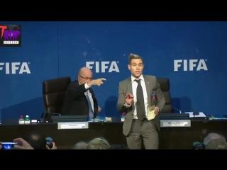 Yung Trappa терроризирует президента FIFA! [Рифмы и Панчи]