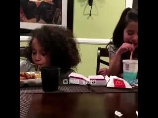"""Безумное Видео on Instagram: """"🎬Накуренные люди делятся на два типа 😆 #mad_video Новый проект: @mimivideo"""""""