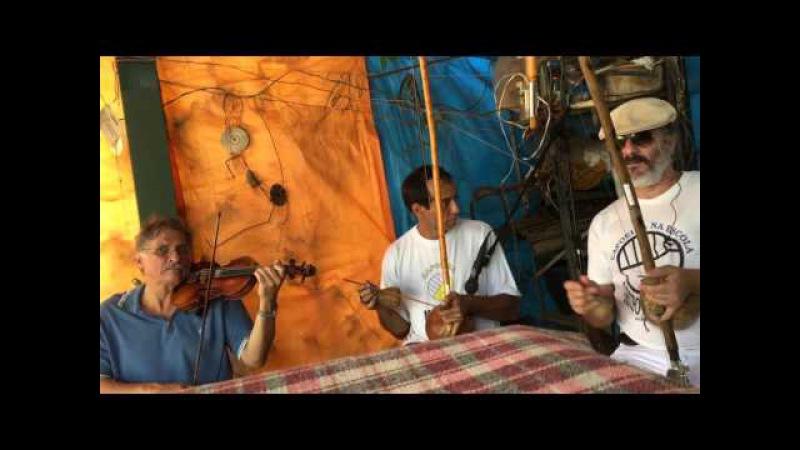 Orquestra Harmônica de Berimbaus Pau D'Óleo: Jorge, Ana, Laura, Bom Menino. IMG_0052. 31out15. 06A