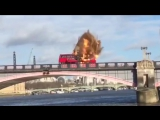 Взрыв автобуса во время съемок фильма в Лондоне
