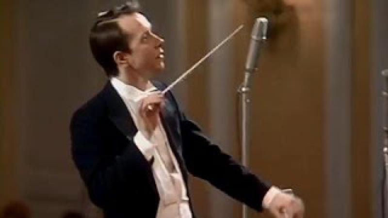Mikhail Pletnev conducts Beethoven - Symphony No. 7 (RNO, 1991)