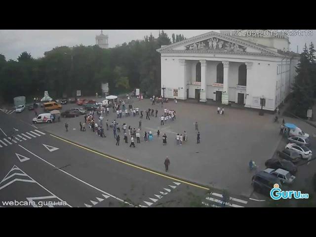 Греческие танцы на главной площади Мариуполя