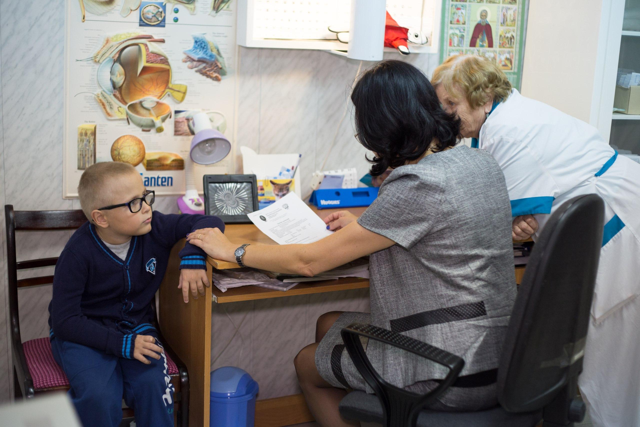 Лечение в Сергиево-Посадском детском доме поможет этому мальчику сохранить зрение Фото moviemoscow.ru