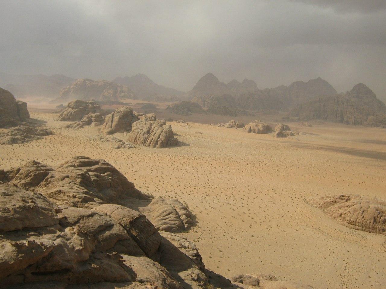 самостоятельно по скалам и каньонам Вади Рам