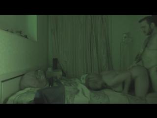 stoyachih-snyal-prostitutku-skritoy-kameroy
