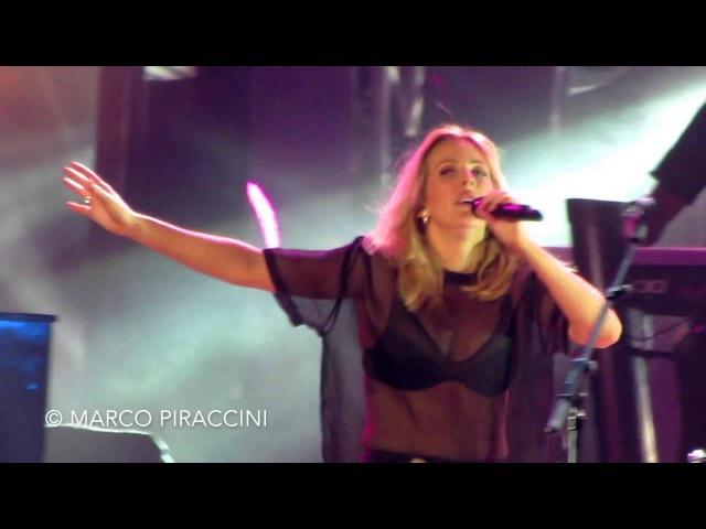 ELLIE GOULDING - Love Me Like You Do (Live 24.10.2015) ...