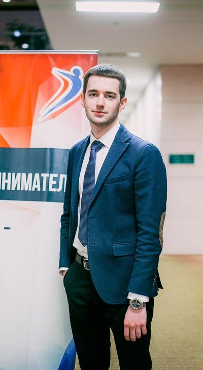 Денис Солянников