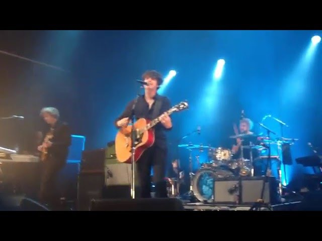 The Kooks - She Moves In Her Own Way (O2 Forum, 19/12/2015)
