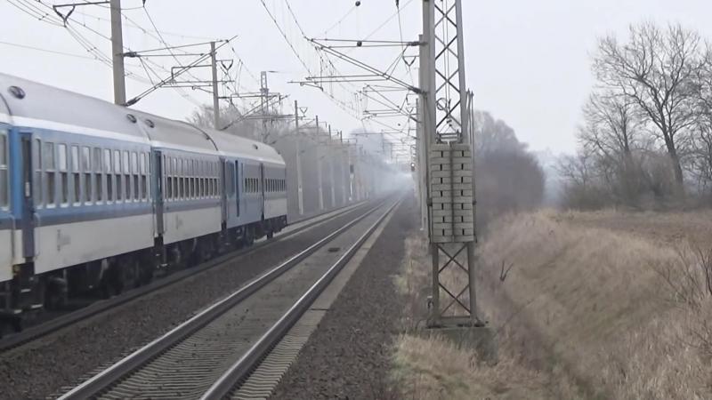 Vlaky na trati Pardubice - Praha hlavni nadrazi 18.2.2015