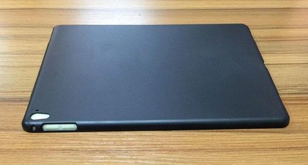 В сети появились снимки чехла для нового 9,7-дюймового планшета Apple