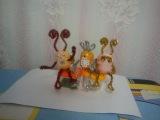 Новогодние чудики из яйца от киндер сюрприза и синельной проволоки diy