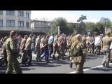 Пленные Украинские солдаты на параде в Донецке.