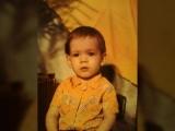 Мини-слайдшоу  мои фото раннего детства под мелодию Норвежского танца Эдварда Грига