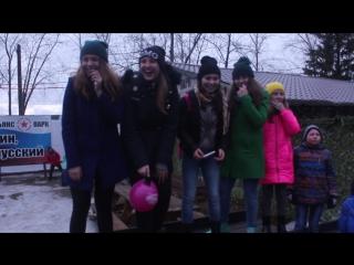 Озорные девчонки в парке фото 228-758