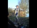 Братишка лезгинку танцует)