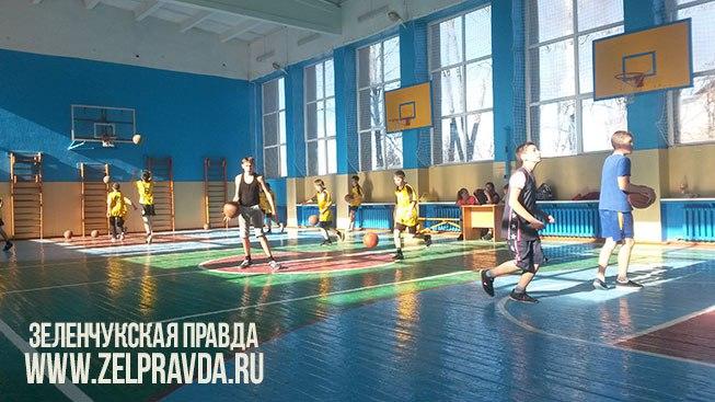 Спортсменам станицы Кардоникской не было равных в первенстве Зеленчукского района по баскетболу