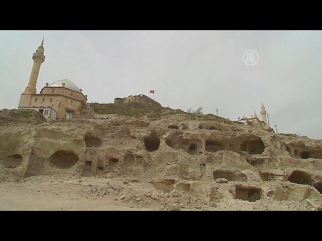 Огромный подземный город исследуют в Турции новости