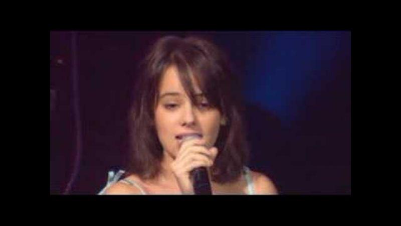 Alizée L'E mail a Des Ailes Live En Concert 2004
