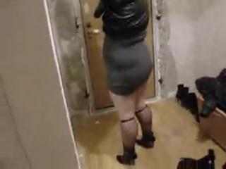 «Видео приколы про девушек. Мать ржет над клубным прикидом своей толстой дочери»