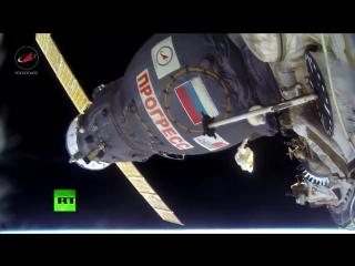 Российские космонавты сняли свой полёт в открытом космосе на камеру GoPro