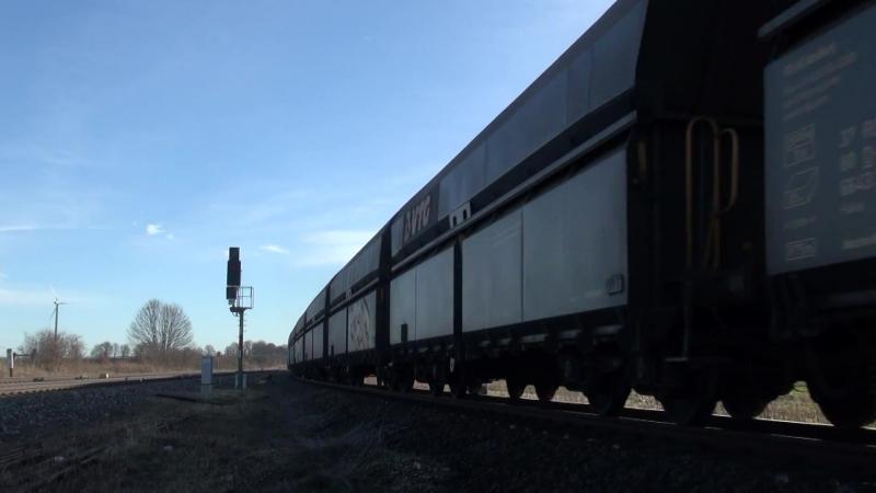 Lok 285 001 der HVLE mit schwerem Kalkzug bei Halberstadt