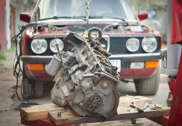 Замена двигателя BMW E28