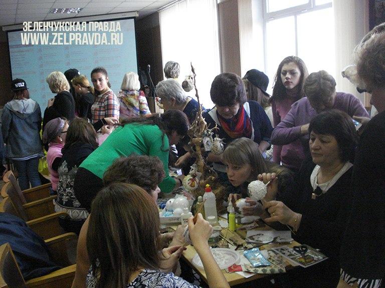 Педагоги «Дома Детского Творчества» станицы Зеленчукской показали незабываемые мастер-классы на республиканской выставке в Черкесске