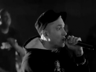 Eminem - Rap God LIVE (читка от бога) (not Vine)