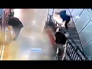 Hero Boy Saves Kids Life From Falling Off Escalator