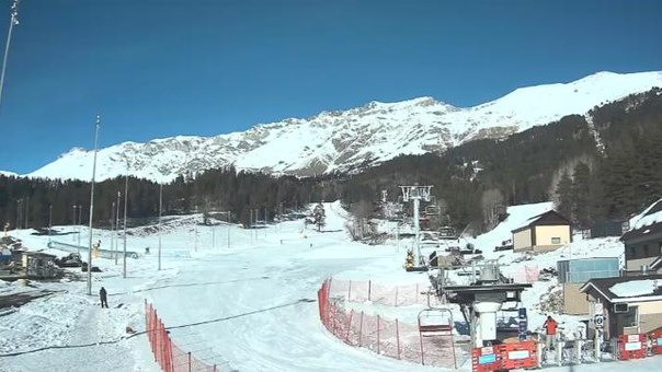 Самые нетерпеливые туристы могут открыть зимний сезон на курорте «Архыз»