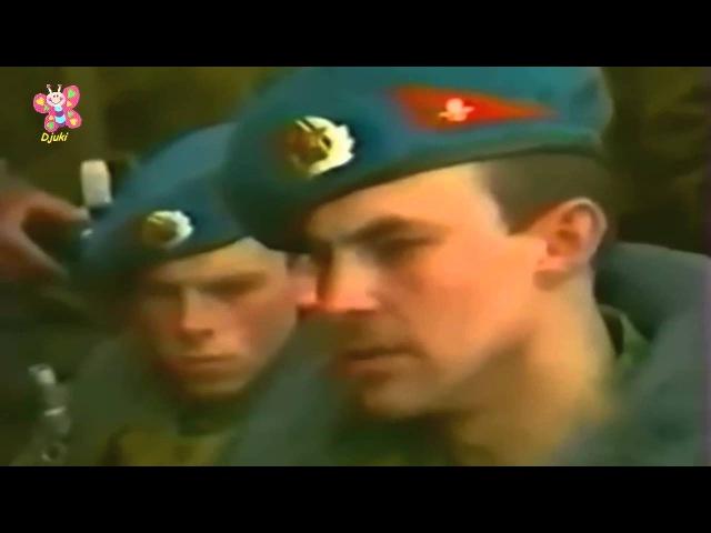 Ruski vojnik peva - TAMO DALEKO (ENGLISH SUBTITLE)
