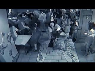 Драка в клубе. Мужик против женщин.Fight in club