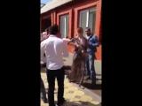 Чеченки тоже любят стрелять на свадьбе - [Веселые Кавказцы]