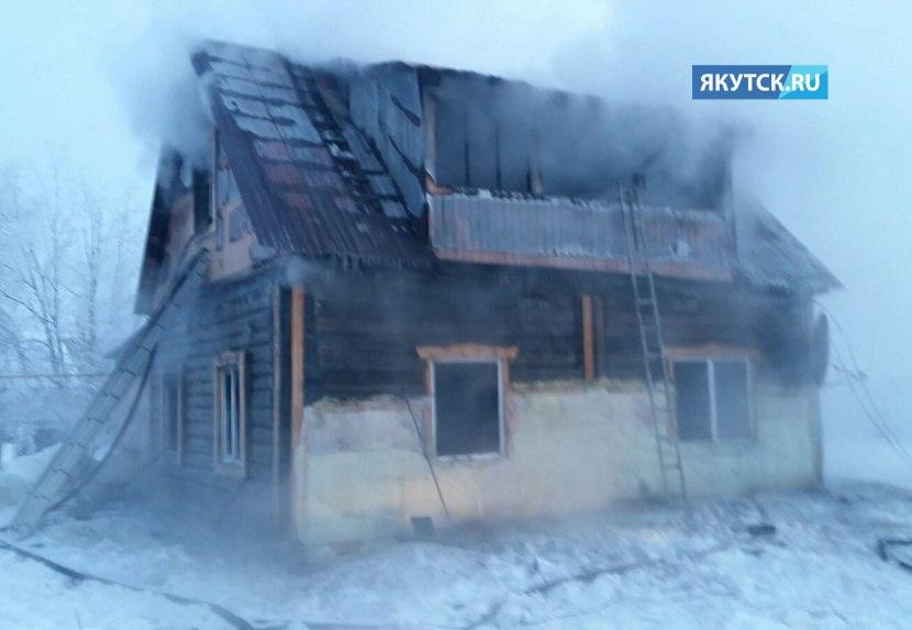 В Якутии проводится проверка по факту гибели мужчины и его новорожденной дочери при пожаре в Верхневилюйске