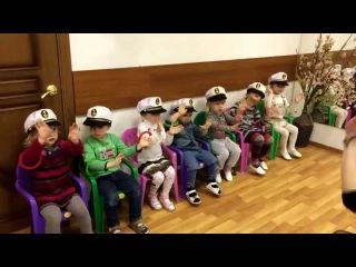 Детская песенка про автобус.Дети 3 года. Праздник Весны. Детский клуб капитошка