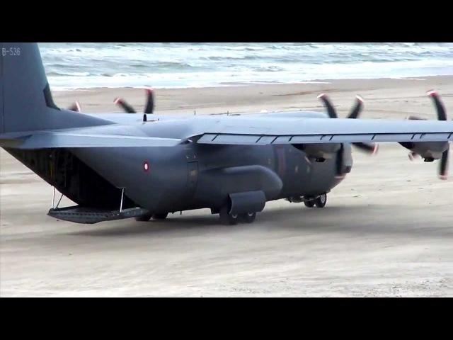 Геркулес ВВС Дании садится на песчаный пляж C-130 Hercules - Beach Landing