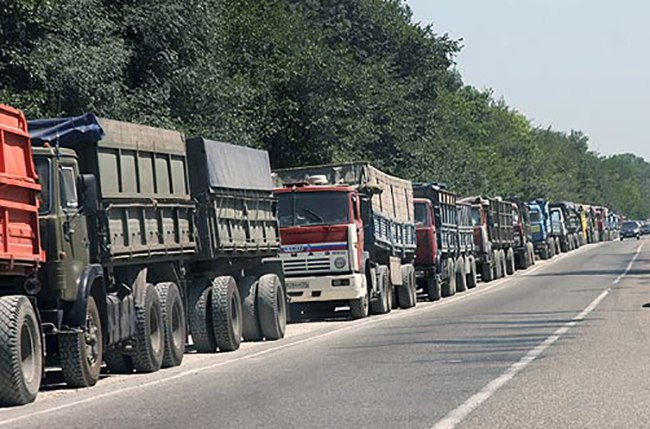Администрация Таганрога решит проблему стихийной стоянки зерновозов по ул. А. Крюйса и ул. Портовой