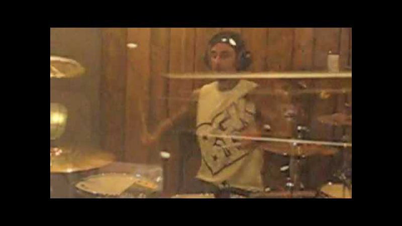 TRAVIS BARKER REMIXING SHWAYZE