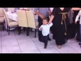 Ο μικρότερος χορευτής - Καλαματιανός Απειράνθου &#