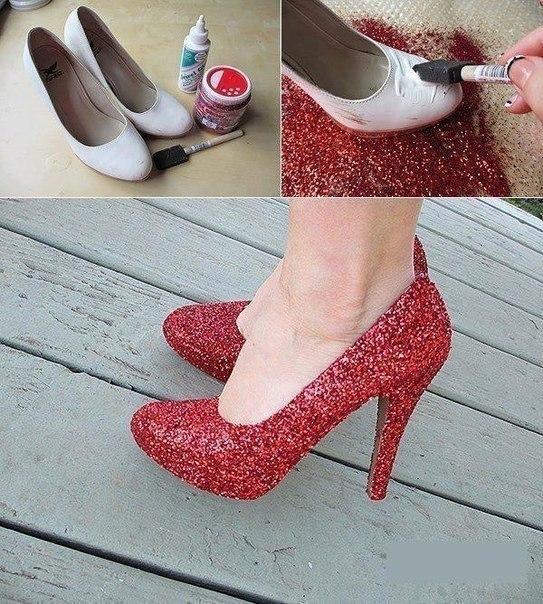 Новая жизнь старой обуви с помощью клея, лака и блесток