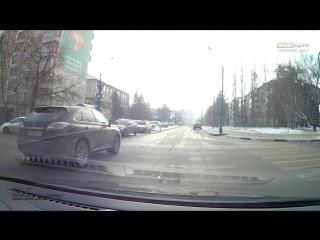 Авария на перекрестке ул  Первомайская и ул  М  Горького 28 11 2015 | ДТП авария